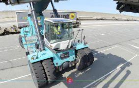 Manutention et logistique sur le port de Calais en images